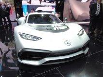Mercedes-AMG Project One s upravenou poháněcí soustavou z formule 1