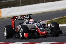 Romain Grosjean jako první vyjel s novým vozem Haas VF-16 při testování v Barceloně, jako první také bodoval šestým místem v Austrálii (Foto Haas F1/LAT Photographic)