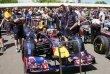Daniel Ricciardo za volantem loňského Red Bullu RB7 Renault formule 1