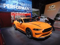 Ford Mustang se objevuje v nových verzích